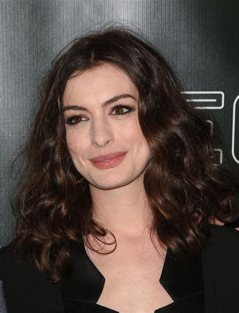 anne hathaway at �colossal� premiere at the vista theatre