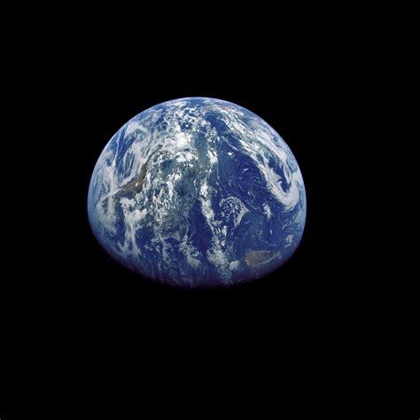 camazotz planet photo as15 91 12343