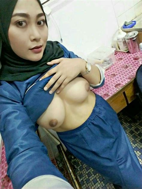 62 Best Jilboobs Images On Pinterest Jilbab Hot Muslim Girls And Naked