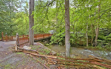 find pigeon forge cabin rentals near creeks and rivers