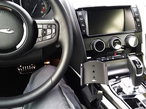 place  mount  smartphone    type jaguar