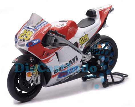 Diecast Motogp Ducati Desmosedici Andrea Iannone 29 2015 motogp newray diecast indonesia all diecast brand and