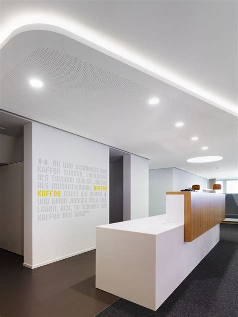 Reception Desk Design 25 Best Ideas About Office Reception Design On Office Reception Lobby Design And