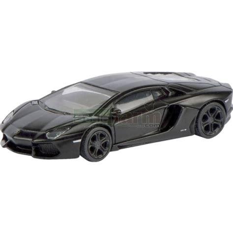 Schuco Die Cast Lamborghini Aventador Lp 700 4 S452603000 schuco 26045 lamborghini aventador lp700 4 black
