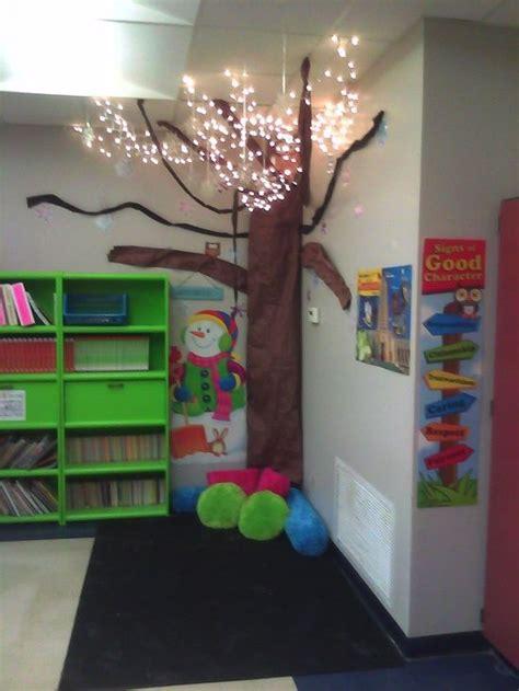 themes for reading corners light up reading corner idea meithrin pinterest