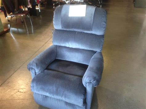 lazy boy recliners for sale lazy boy recliner for sale at st vincent de paul on quadra