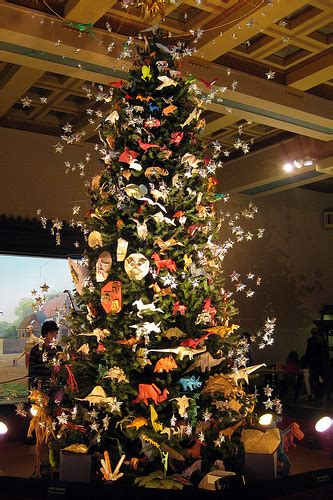 nyc amnh 2008 origami holiday tree the origami
