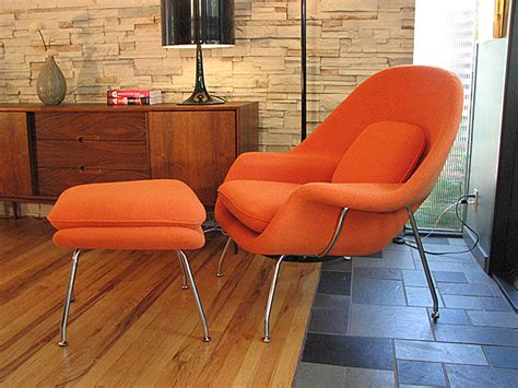 Womb Chair Knock by Eero Saarinen S Womb Chair Model No 70 Zeller