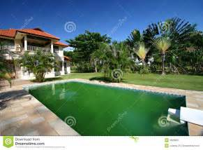Home With Pool House With Big Swimming Pool Royalty Free Stock Images