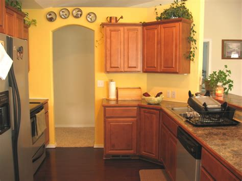 Yellow Kitchen Walls | yellow kitchen basement floor plans pinterest