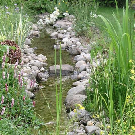 Bachlauf Richtig Bepflanzen by Die Besten 25 Kleiner Gartenteich Anlegen Ideen Auf