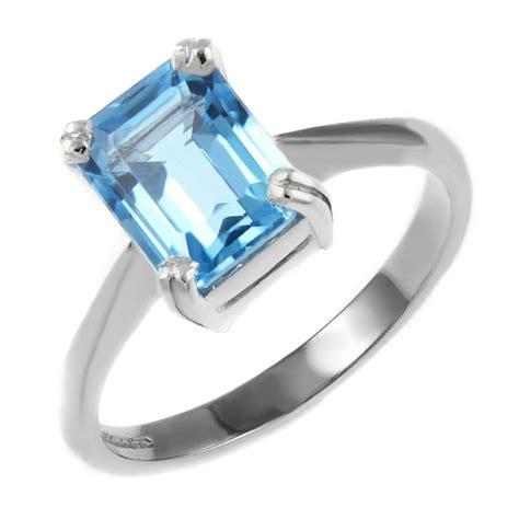9ct white gold 8x6mm emerald cut blue topaz ring