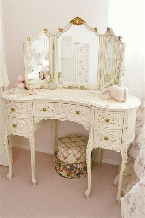shabby chic makeup vanity table best 25 shabby chic vanity ideas on antique