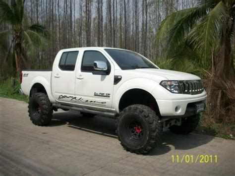 lifted nissan pathfinder 7 quot lift kit from thailand page 2 nissan navara net