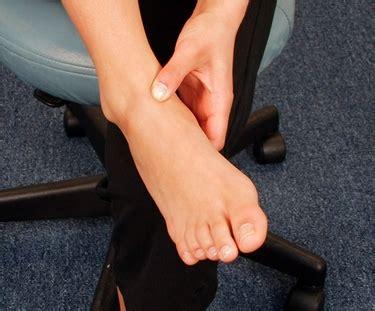 dolore alle gambe a letto flebite dolori alle gambe diagnosi e cura flebite