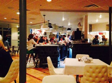 Liberty Kitchen And Oysterette by New River Oaks Seafood Restaurant Is Already Drawing A Crowd Culturemap Houston