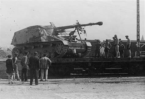 panzerj ger on the battlefield world war two panzerjager nashorn number 221 world war photos
