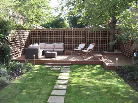 Backyard Fence Ideas To Keep Your Backyard Privacy And Backyard Deck Design Ideas