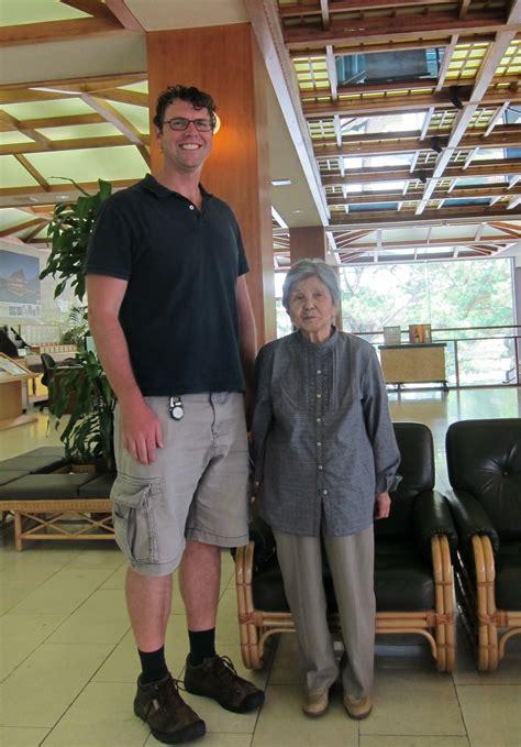 people of height 6 feet 2 inch big in japan digital nomad