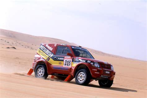 Kaos Rally Dakar Mitsubishi Pajero mitsubishi pajero jutta kleinschmidt dakar 2001 revista 4 215 4