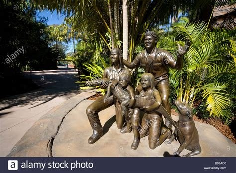 Steve Irwin Memorial Day At The Australia Zoo by Bronze Sculpture Of Steve Irwin With His Family In