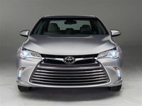 Toyota Se Vs Xle 2016 Toyota Camry Test Drive Hybrid Vs Xle Gasoline