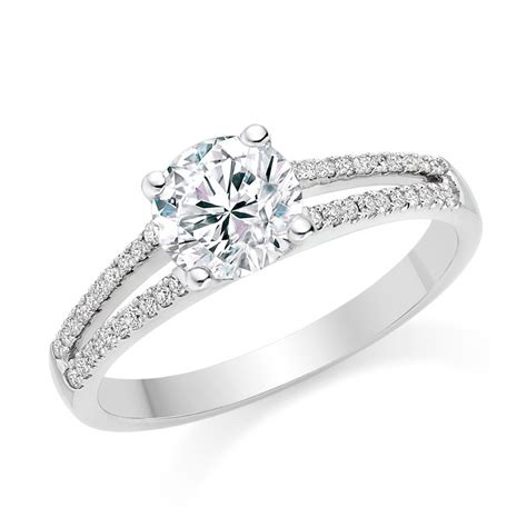 platinum engagement ring with 0 7ct i vvs2