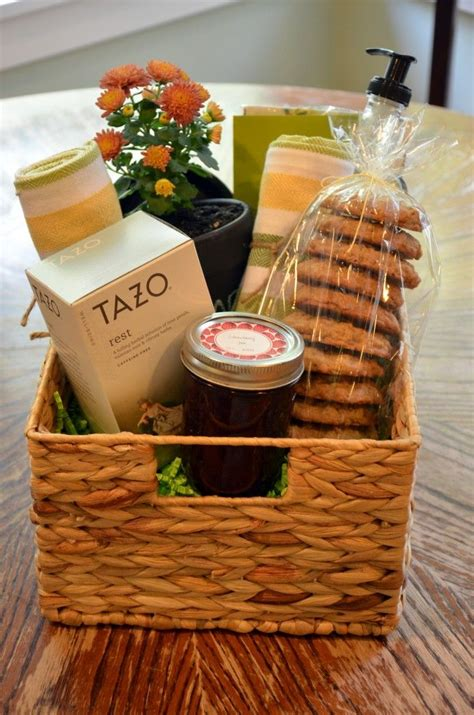 good house warming gifts housewarming gift basket ideas diy gift ftempo