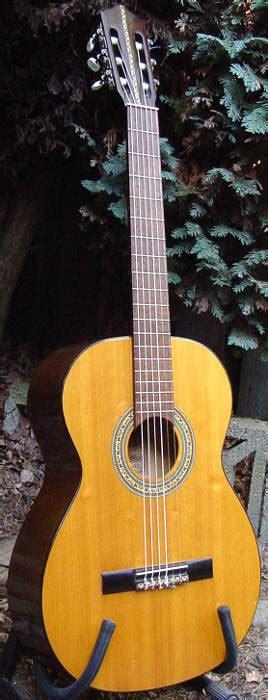 musima classical guitar    ddr