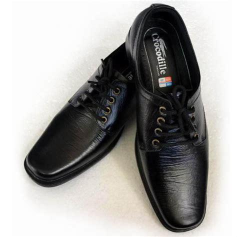 Sepatu Kickers Pantofel Crocodile Moccasin Kulit Asli harga sepatu pantofel tali pria merk clarks kulit asli