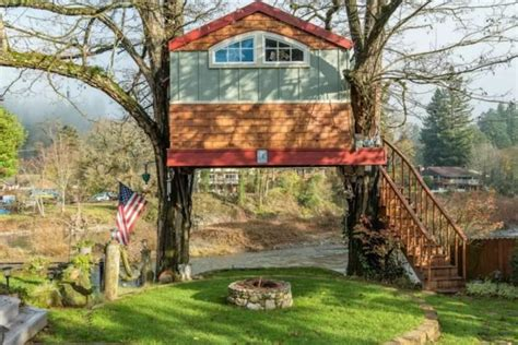 tiny treehouse vacation in washougal wa