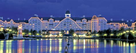 disneyland paris hotels newport bay club destination