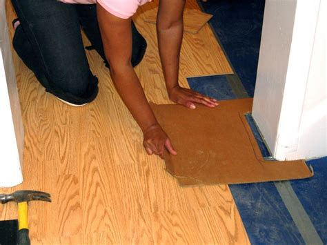 Install Floating Floor by How To Install A Laminate Floating Floor How Tos Diy
