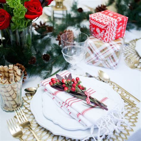 what is the main holiday decoration in most mexican homes christmas table settings ideas how to transform your