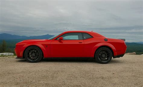 2019 Dodge Challenger News by What It S Like To Drive The 2019 Dodge Challenger Hellcat
