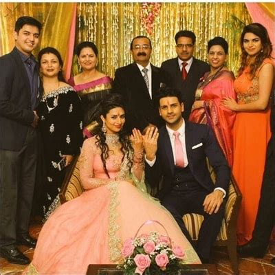 vivek dahiya mother name vivek dahiya family biography wife age height career