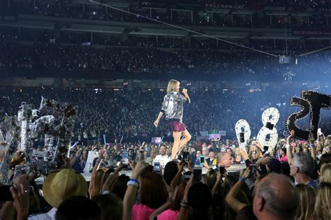 taylor swift concert georgia taylor swift the 1989 world tour in atlanta october 2015