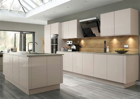 Formica Kitchen Cabinets by High Gloss Kitchens Mastercraft Kitchens