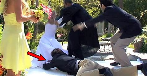 reddit users share disasters that almost ruined weddings this is probably the worst wedding disaster of all time