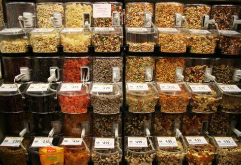bulk store of bins and bulk foods