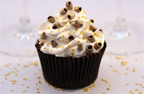 new year cupcake 15 winter cupcake recipes new year cupcakes goodtoknow