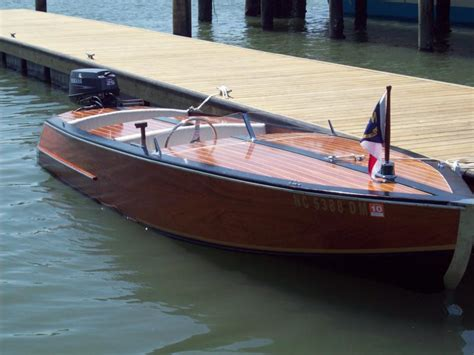 boat  wooden runabout plans    diy building