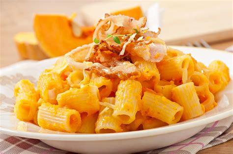 come si cucina pasta e zucca pasta con zucca e pancetta ricetta