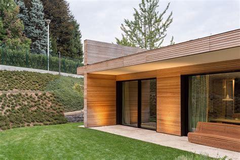 rivestimento tetto in legno villa prefabbricata interamente in legno monza brianza