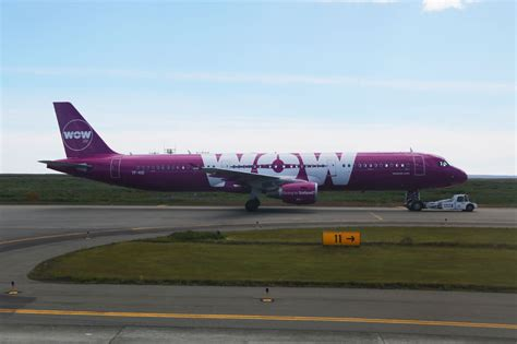 transatlantic  cost carrier crackup  wow air cancels   routes view   wing