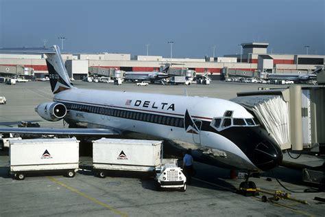 25 vintage photos of atlanta airport in 1989 skies