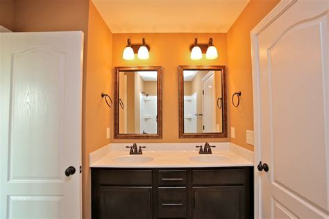 Jack And Jill Bathroom by Jack And Jill Bathroom Two Bedroom