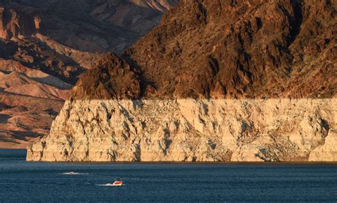 Lake Mead Bathtub Ring Lake Mead Drops To Lowest Levels Ever As 14 Year Drought