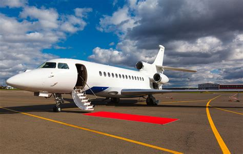 flying with a delta fly on your terms with delta jets extravaganzi