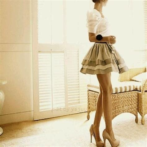 a line skirt and high heels the tres chic